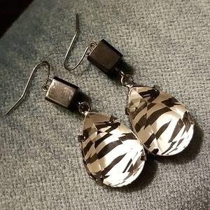 Heart 2 Hand Handmade Zebra jewel earrings